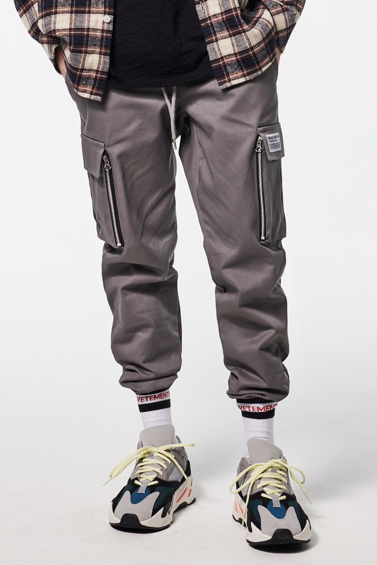 GRAY CARGO ZIPPER JOG PANTS