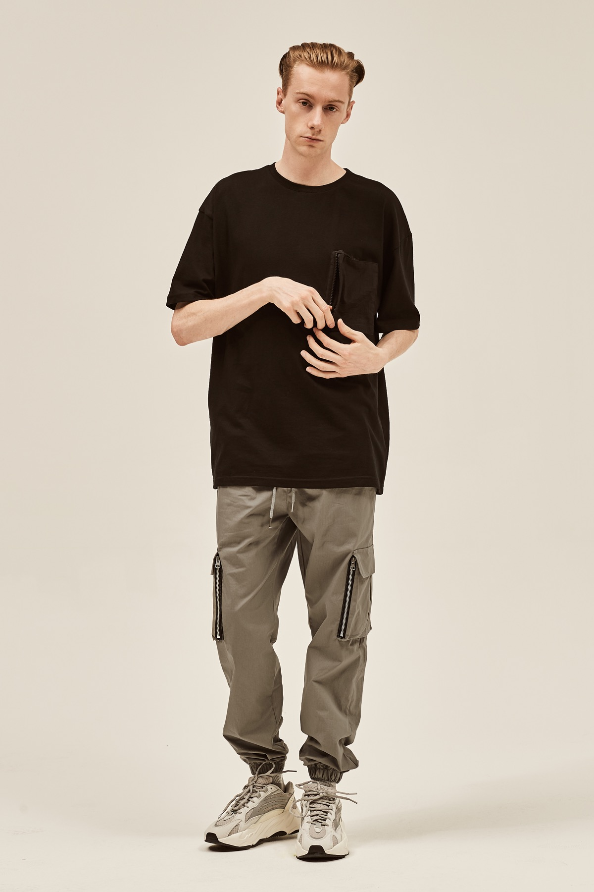 BLACK POCKET DOCKING T-SHIRTS