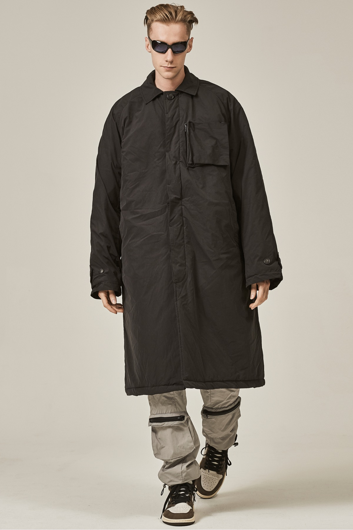 BLACK POCKET DOCKING PADDED LONG COAT