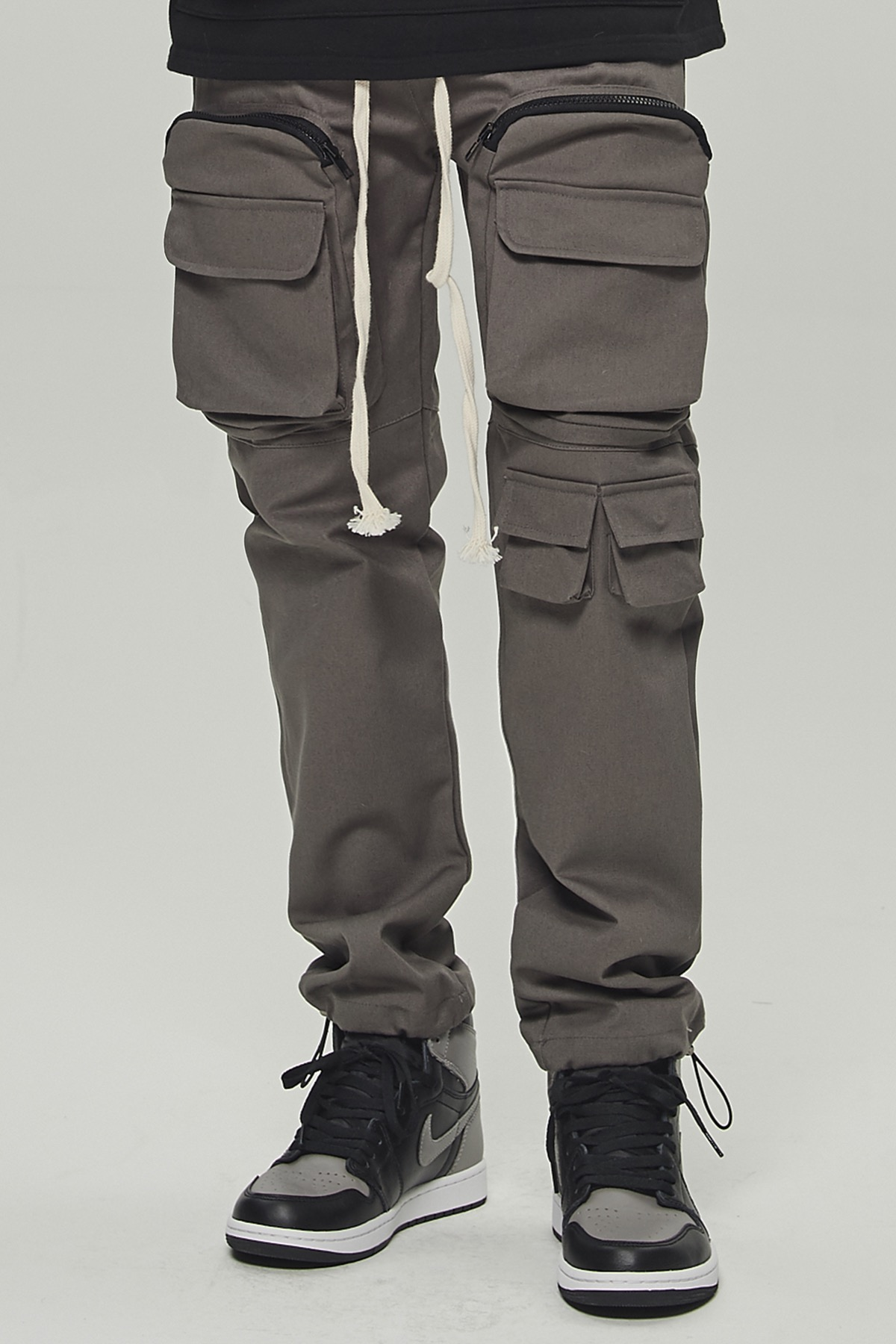 CHARCOAL UTILITY POCKET CARGO STRING PANTS